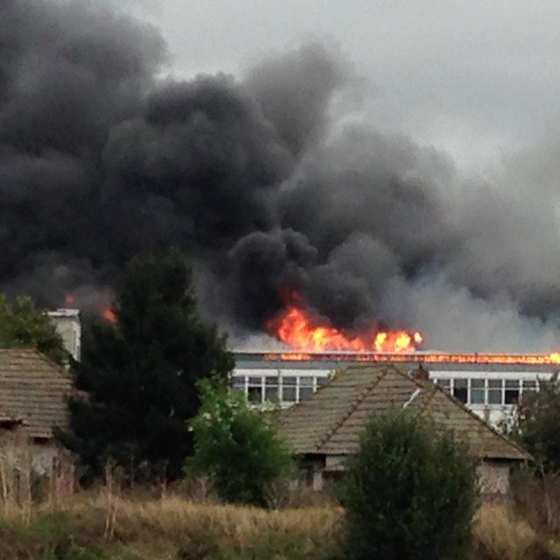 Hatalmas tűz ütött ki az Ileforban!