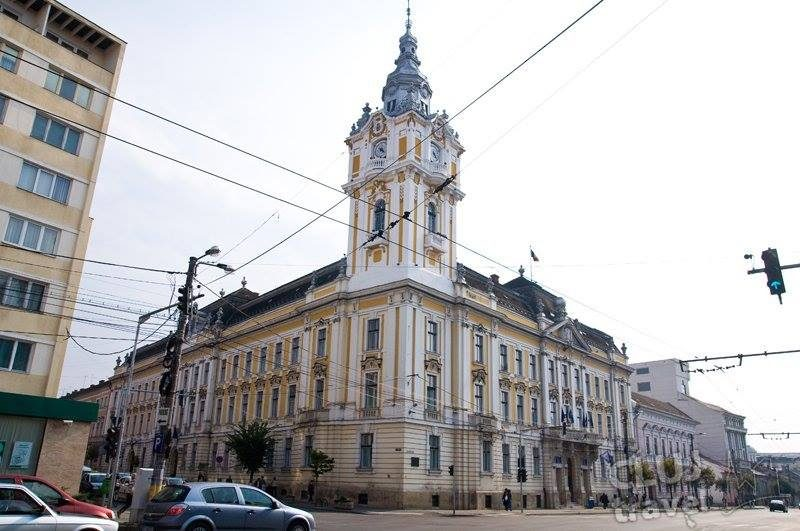 Horváth Anna kolozsvári alpolgármester irodájában végez házkutatást a DNA