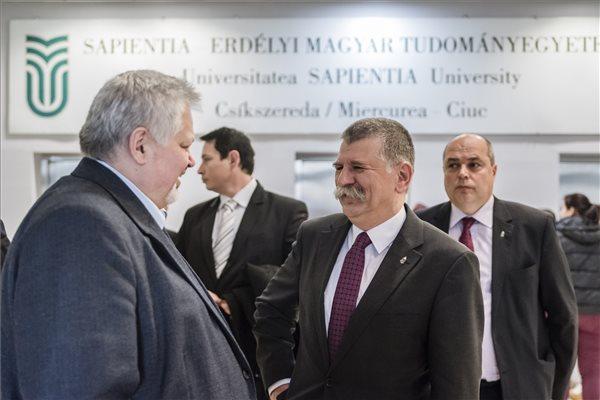 Kövér László: mindent meg kell tenni azért, hogy az erdélyi magyarság autonóm módon dönthessen oktatásáról