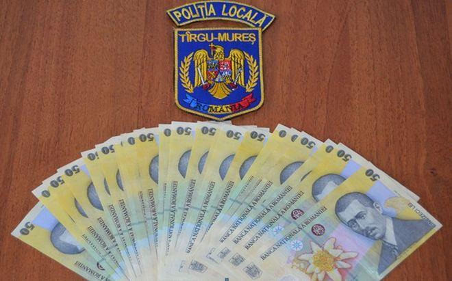 Példaértékű magatartás: pénzt talált az úton, rendőrséghez fordult egy Maros megyei lakos
