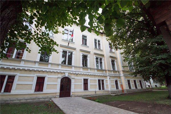 Krónika: megszűnés fenyegeti a marosvásárhelyi Római Katolikus Gimnáziumot