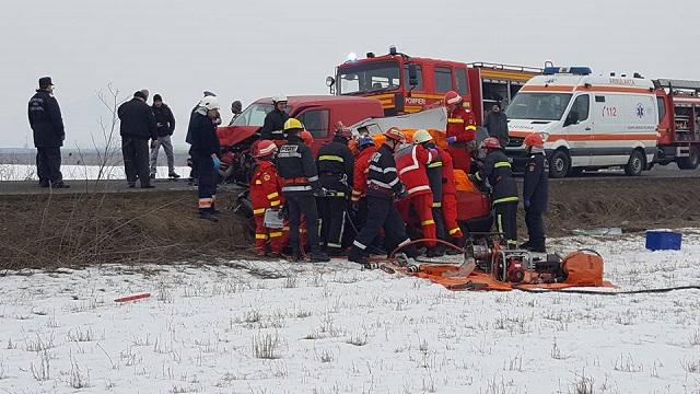 Maros megye: Egy személy meghalt, ketten megsérültek egy közlekedési balesetben