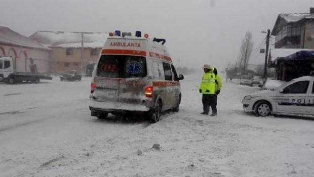 Otthon szült egy nő, mert az időjárási körülmények miatt késett a mentő