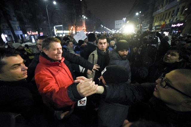 Iohannis: Bízom az utcára vonult állampolgárokban, bízom Romániában