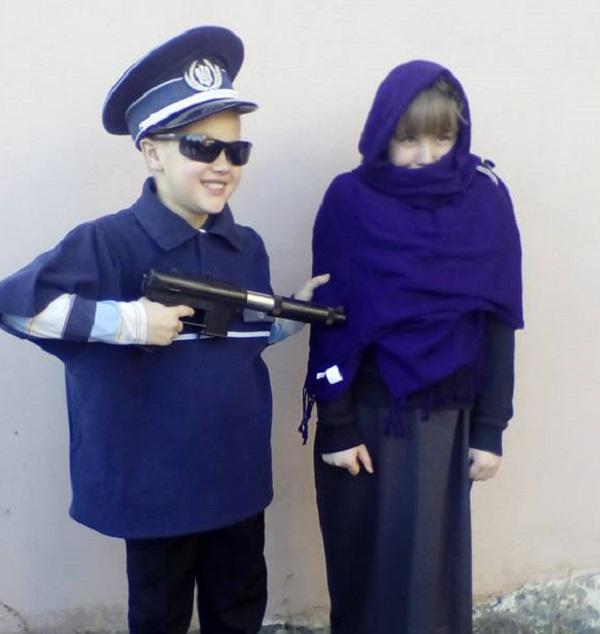 Migránsozó farsangi mulatságot tartottak gyerekekkel Erdélyben – VIDEÓ
