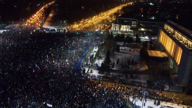 Folytatódtak Romániában a nagyszabású tüntetések a kormány döntése ellen