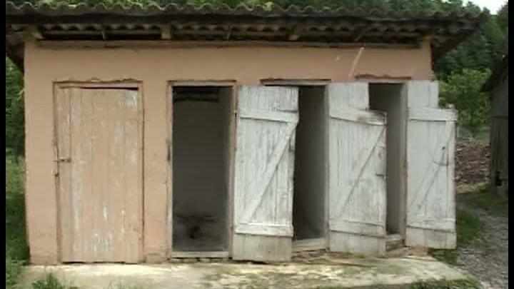 A cikmántori iskola egy régóta nem használt vécéjébe esett bele a 7 éves kislány