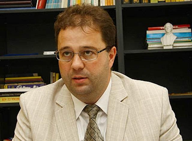 """Újabb """"törvénytelenséget"""" észlelt Marius Paşcan a marosvásárhelyi katolikus gimnázium ügyében"""