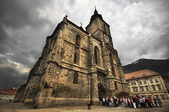 A brassói Fekete-templom a legnépszerűbb szász erődtemplom Romániában
