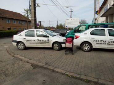 Megbüntették a férfit, mert szabálytalanul parkolt rendőrautókról készített fotókat