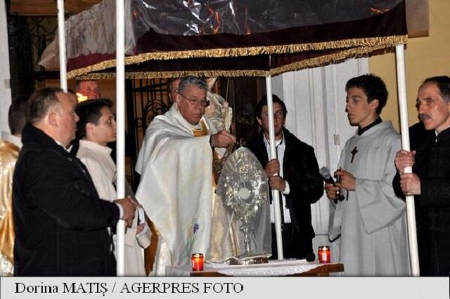 Több mint 1.500 római katolikus és protestáns vett részt Marosvásárhelyen a római katolikus körmeneten
