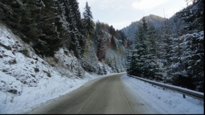 Havazott a hegyekben, helyenként 10 centiméteres a hóréteg