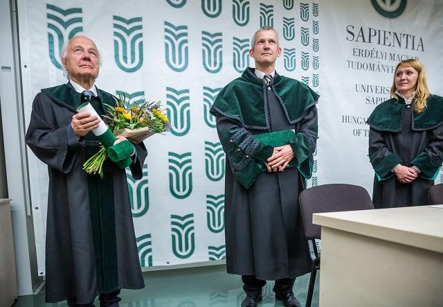 Dr. Vékás Lajos a Sapientia EMTE első díszdoktora