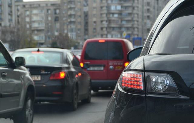 Megszűnnek a maximált gépjármű-felelősségbiztosítási díjak, péntektől új referenciaárak lépnek életbe