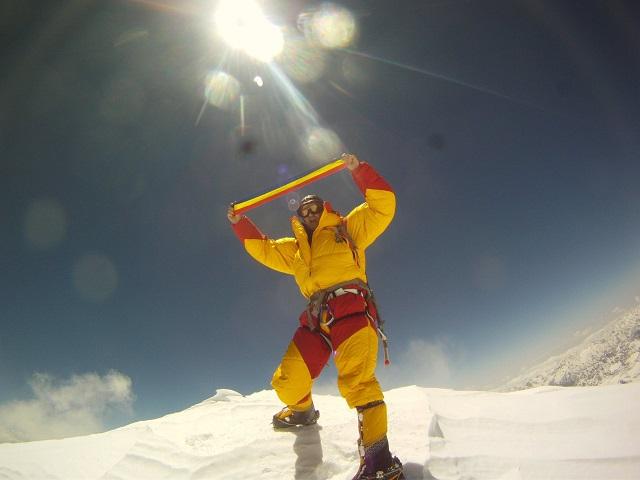 """Először jutott fel román hegymászó a Mount Everestre: """"Rettenetesen kemény volt és nagyon, nagyon hideg"""""""
