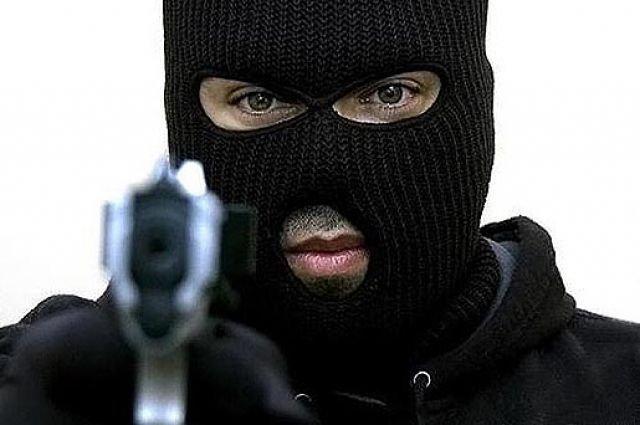 Kolozsvár: Késsel fenyegetőzött, majd kirabolt egy éjjel-nappali boltot két személy