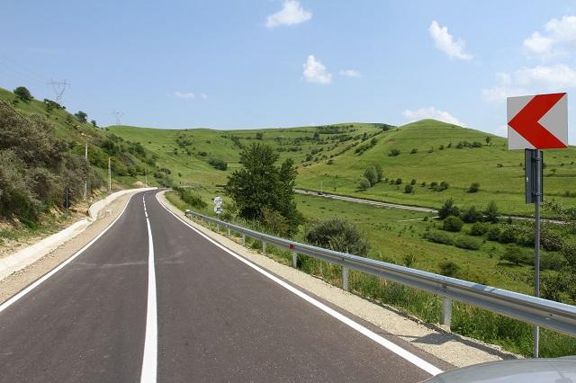 Elkészült a Bözödújfalusi-tó körüli út felújítása