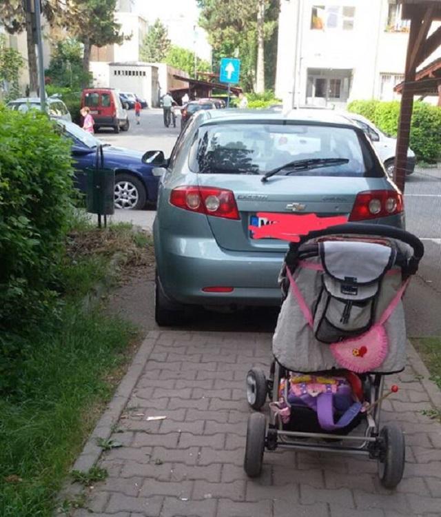 Valószínűleg ennek az autósnak nincs kisgyereke…