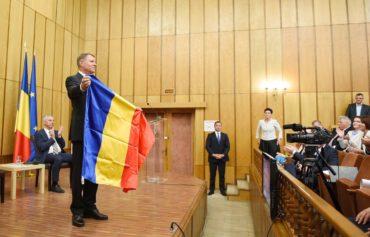 Iohannis a románoknak és a magyaroknak: Csak az együttműködés vezethet eredményre