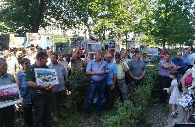 Győztek a székelyföldiek Bukarestben: 175 veszélyes medvét fognak kilőni