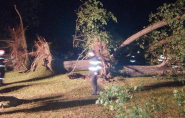Vihar pusztított Csarnóházán: Egy ember meghalt, 16 megsebesült