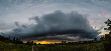 Jelentős mennyiségű esőre vonatkozó elsőfokú figyelmeztetés van érvényben, Maros, Hargita, Kovászna megye is érintett