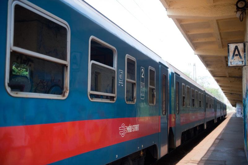 Nem befolyásolja a vonatok menetrendjét a téli időszámításra való átállás