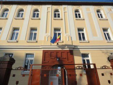 Kivizsgálást indítanak a besztercei Andrei Mureşanu Főgimnáziumban, ahol bántalmaztak egy magyar kislányt