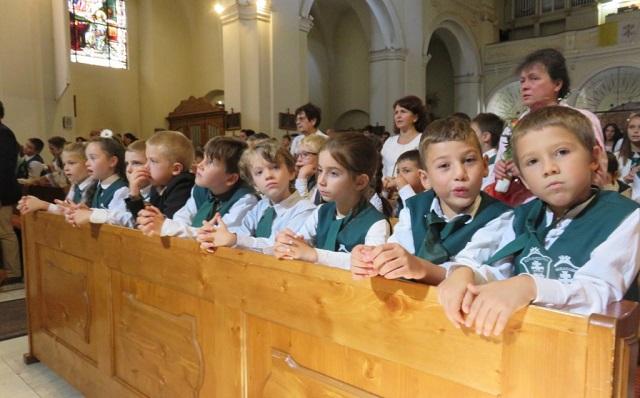 Templomban kezdték a tanévet a Bolyai Farkas líceumhoz besorolt marosvásárhelyi Római Katolikus Teológiai Líceum diákjai