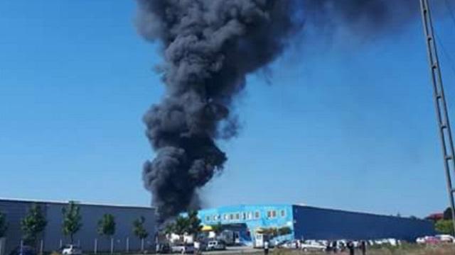 Tűz ütött ki egy szászrégeni bútorgyár festőrészlegén