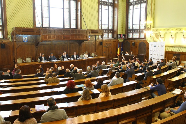Költségvetés-kiigazításról és a Transilvania Repülőtérnek okozott károk behajtásáról döntöttek a megyei tanács soros ülésén