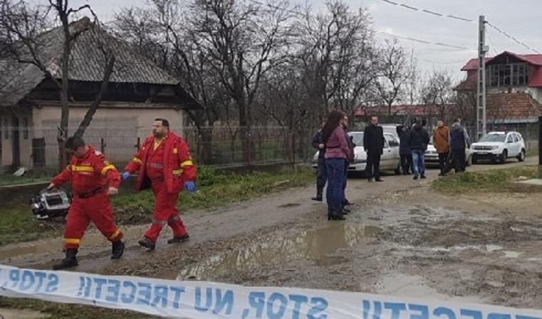 Brutális gyilkosság, egy egész családot találtak holtan a családi ház udvarán