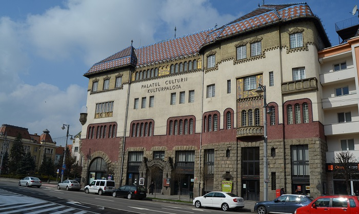 Aláírták a szerződést a Kultúrpalota felújítására a kivitelező céggel