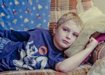 Hét év helyett a gyerek 16 éves koráig igényelhetnek betegszabadságot a szülők