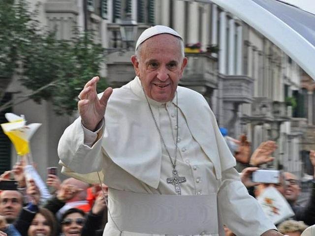 Ferenc pápa: embertársainkra való odafigyeléssel készüljünk a karácsonyra