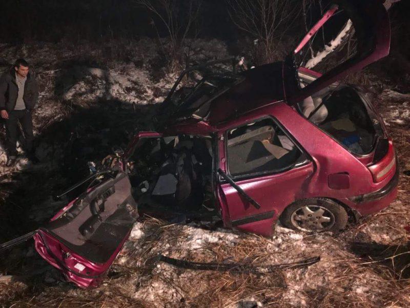 Tragikus baleset: teherautóba hajtott miután elvesztette uralmát autója felett, hárman meghaltak