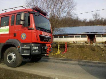 Két gyermeket és egy férfit mentettek ki a lángokból a Kolozs megyei tűzoltók