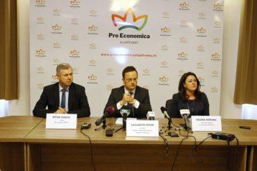 Szijjártó Marosvásárhelyen: Dragnea megígérte, hogy megoldódik a katolikus iskola helyzete; nincs okunk kételkedni a szavában