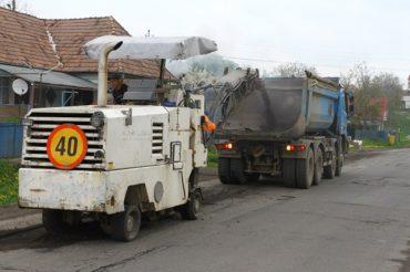 Elkezdődött a kátyúzás a Maros megyei utakon
