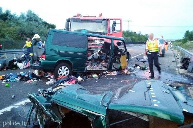 Hazaszállították a magyarországi balesetben elhunyt kilenc román állampolgár holttestét