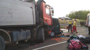 A Maros megyei hatóságok szerint 13 gyerek maradt árván a magyarországi baleset nyomán