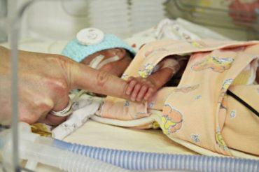 Életben maradt egy 500 grammos, 24 hétre született csecsemő Nagyszebenben
