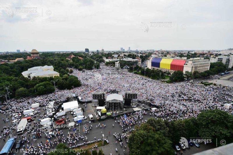 PSD-ALDE-nagygyűlés: Mintegy 150.000-en vannak a bukaresti Victoria téren