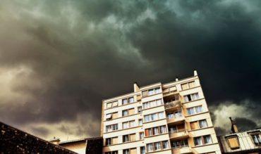 Felhőszakadásra és jégesőre figyelmeztetnek a meteorológusok pénteken öt erdélyi megyében