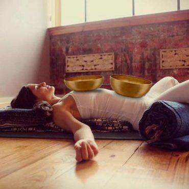 Teremts bőséget az életedben a jóga és nepáli hangtálak segítségével