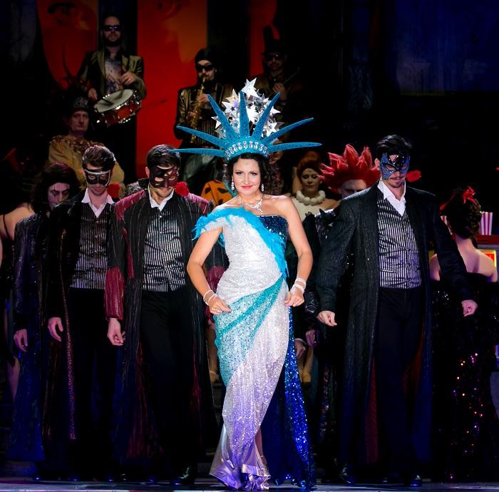 A Budapesti Operettszínház megaprodukciója a Vásárhelyi Forgatagon