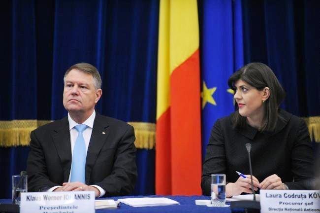 Klaus Iohannis államfő leváltotta tisztségéből Laura Codruţa Kövesit