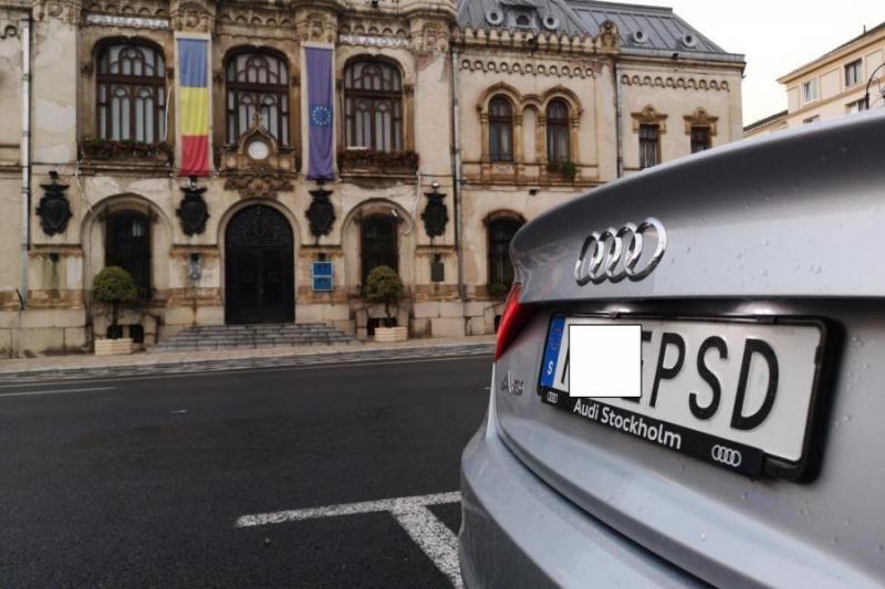 Bűnügyi eljárást indítottak a PSD-t sértő, Svédországban perszonalizált rendszámtáblával közlekedő sofőr ellen
