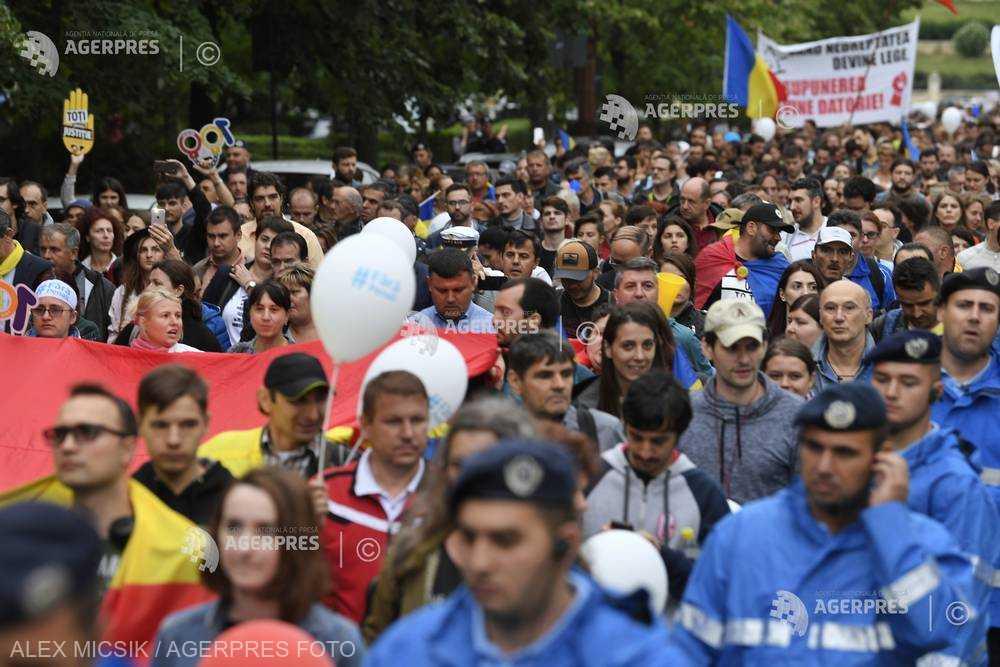A Dancila-kormány távozását követelik a román diaszpóra bukaresti tüntetésén