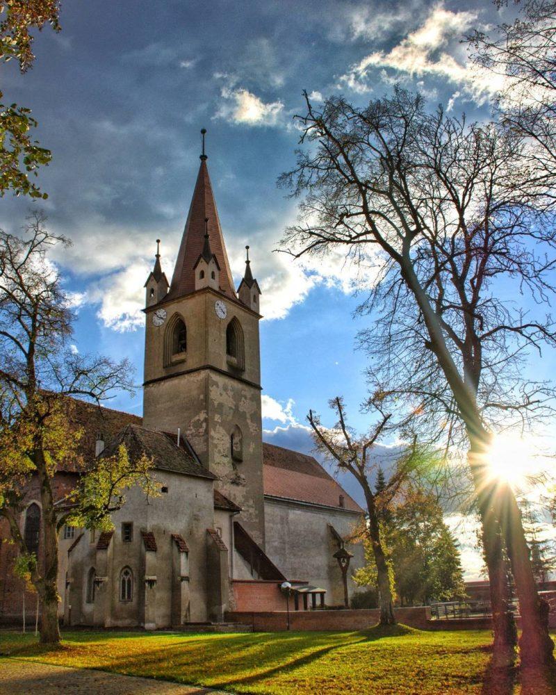 Nagyrészt magyar állami támogatásból újul meg a marosvásárhelyi Vártemplom